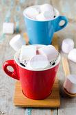 Melcocha en la taza con el café — Foto de Stock