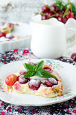Cottage cheese pie with cherries — Stock Photo