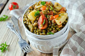 Mung beans stewed with vegetables — Stock Photo