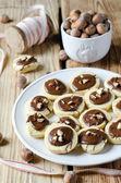 Kakor med choklad och nötter — Stockfoto