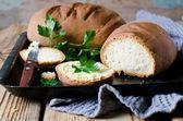 Domácí chléb s máslem — Stock fotografie
