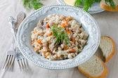 Mingau de cevada com carne e legumes — Fotografia Stock