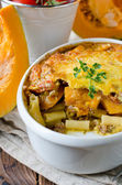 Gratin of pumpkin pasta and minced meat — Stock Photo