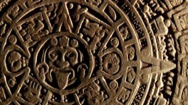 Calendário maia, espaço vermelho, diminuir o zoom — Vídeo stock