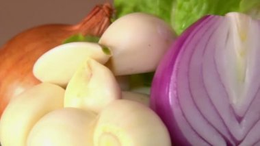 Soğan, sarımsak, döndürme — Stok video