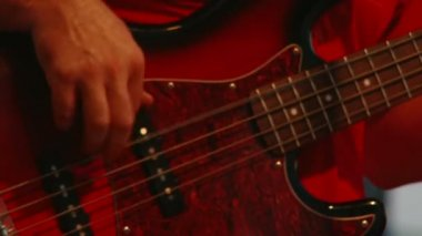 Bass guitar, red — Stock Video