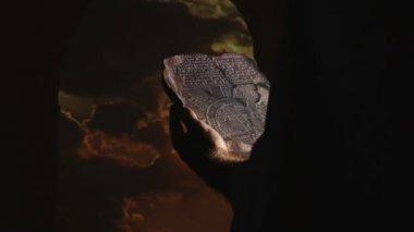 Babylon, archaeologist - Babylonian maps — Stock Video