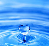 Heart shaped water drop — Stock Photo