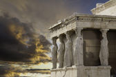 Caryatids in Erechtheum, Acropolis,Athens,Gr eece — Stock Photo