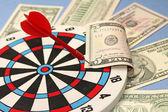 Idea of financial success - darts and dollars — Foto Stock
