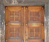 The door of the Church of Panaghia Kapnikarea — 图库照片