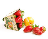 Scatter strawberry — Stock Photo
