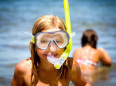 Little girls with diving mask — Stock Photo
