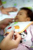 儿童接种疫苗. — 图库照片