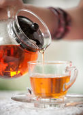 Pour tea — Stock Photo