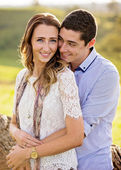 A young couple in embrace  — Stock Photo