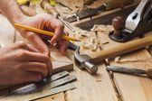 Carpintero trabajando — Foto de Stock