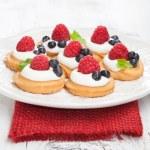 Raspberries mini cakes — Stock Photo #29213621