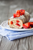 Strawberry swiss roll — Stock Photo
