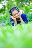 美丽的亚洲女孩-室外 — 图库照片