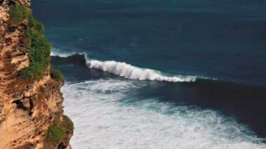 Uluwatu cliff loop — Stock Video
