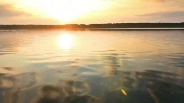 Sunset on a calm lake — Stock Video