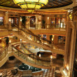 Foto Stock: Lobby of Cruise Ship