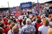 Mike Huckabee Speaking at McCain Rally — ストック写真