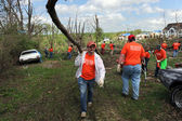 Volunteers Help Clean Up After Tornadoes — Stock Photo