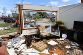 Clean Up After Tornadoes — Stock Photo