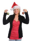 Giovane donna con ornamenti di natale — Foto Stock