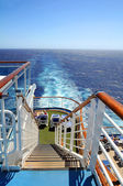 クルーズ船の船尾をウェイク — ストック写真