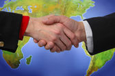 Apretón de manos global — Foto de Stock
