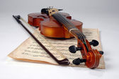 Old Violin and Music Sheet — Stock Photo