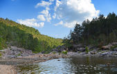 River Flowing During Sunny Afternoon — Stock Photo