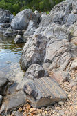 River Flowing through Large Rocks in Johnson Shute Ins — Stock Photo