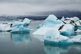 Icebergs on Jökulsárlón glacier lagoon, Iceland — Stock Photo