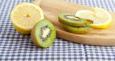 Lemons and kiwi — Stock Photo