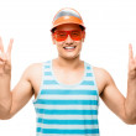 孤立的和平迹象表明有吸引力拉丁美洲肌肉的男人 — 图库照片