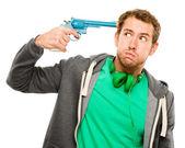Nešťastný muž střelbě zbraň v hlavě depresi — Stock fotografie
