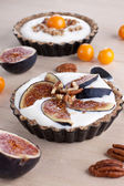 Tartlet with cream — Stock Photo