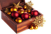 Låda med julgranskulor — Stockfoto