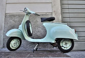 Classic Italian scooter of 1965 — Stock Photo