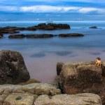 Rocky shore and ships — Stok fotoğraf