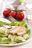 Spinach, zucchini and chicken salad — Stock Photo