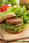 Vegan hamburgers met linzen en pistashios — Stockfoto