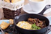 Vegan tofu omelet with mushrooms and pesto — Stock Photo