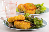 Tuna patties with potato and corn — Stock Photo