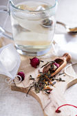 Making tea with teabags — Stock Photo
