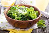 Lemon broccoli with peas and mint — Stock Photo